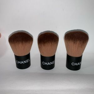 NWOT auth CHANEL makeup brush #40 FINISHING POWDER